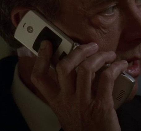 File:5x18 Logan phone.jpg
