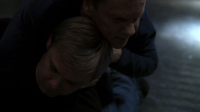 File:24- Day 6, Ep20- Bauer KOs Mike Doyle.jpg