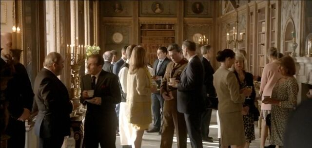 File:9x02 Welcome Reception.jpg