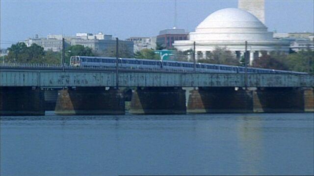 File:7x07 Metro Bridge.jpg