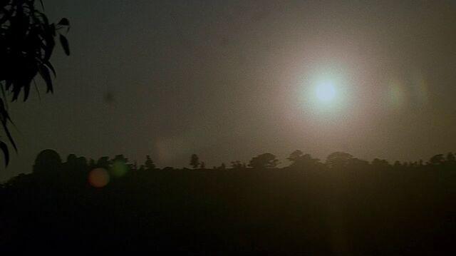 File:1x07 sunrise.jpg