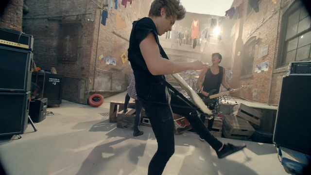 File:5 Seconds of Summer - She Looks So Perfect - 5 Seconds of Summer Wiki (83).png