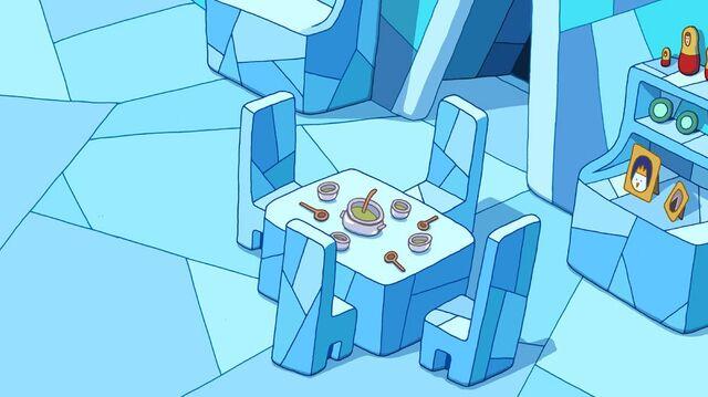File:Bg s4e9 ice king dining room table.jpg