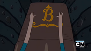 S2e10 Princess Beautiful's coffin