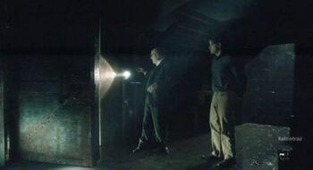 Alcatraz-S1x04-Warden-James-at-the-door