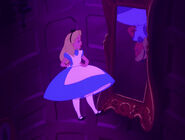 Alice-in-wonderland-disneyscreencaps.com-578
