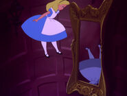 Alice-in-wonderland-disneyscreencaps.com-575