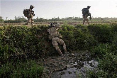 File:U.S. soldiers advancing through Southern Zimbabwe.png