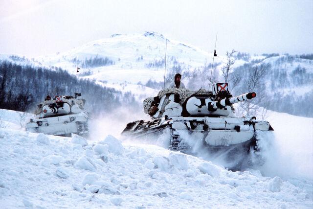 File:Norwegian Leopard 1A1N tanks in Finnmark.jpg