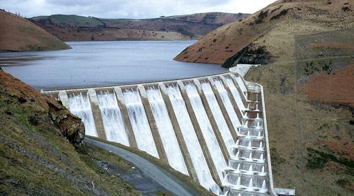 File:Clywedog Dam, Wales.jpg