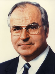 File:Helmut Kohl offical portrait.png