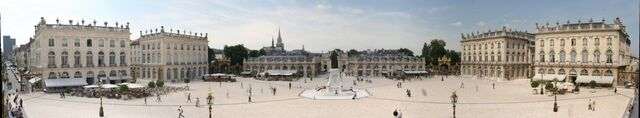 File:Panorama place stanislas nancy 2005-06-15.jpg