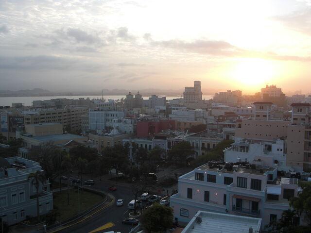 File:Old-San-Juan-Sun-Is-Setting-Shot-From-Top-Of-Fort-San-Cristóbal.jpg