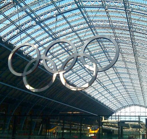 File:635px-St Pancras Olympic Rings.jpg