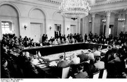 Bundesarchiv Bild 183-30483-002, Warschau, Konferenz Europäischer Länder...