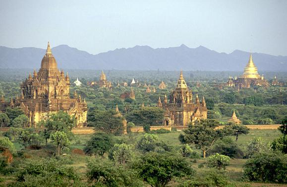File:Templos y Pagodas.jpg