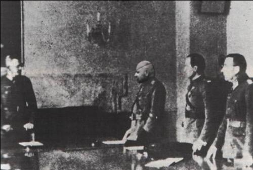 File:PM Gen. Syrový, Gen. Vojcechovský capitulate.png