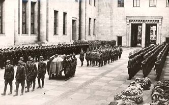 Hitler funeral