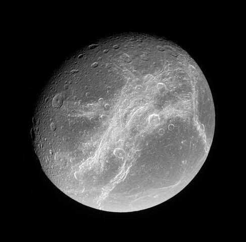 File:Dionean Linea PIA08256.jpg