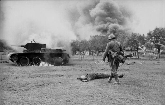 File:Bundesarchiv Bild 101I-020-1268-36, Russland, russischer Gefallener, Panzer BT 7,.jpg