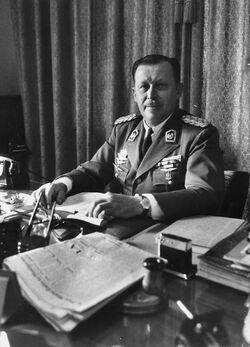 Alfredo Stroessner (Chile No Socialista)