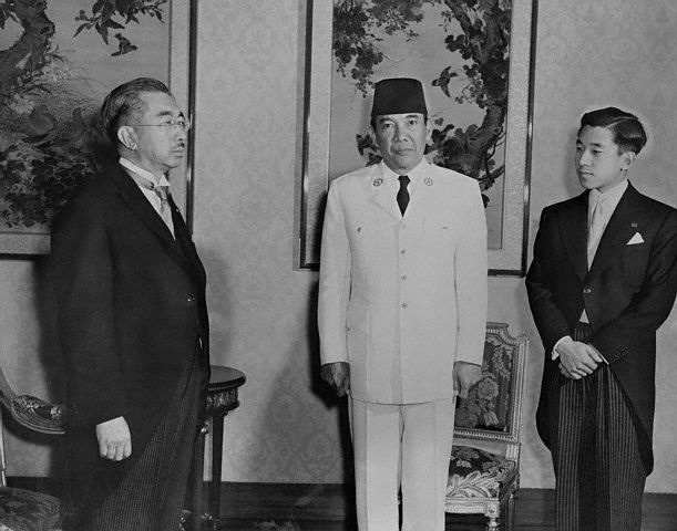 File:Hirohito 1958.jpg