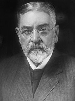 File:240px-Robert Todd Lincoln - Harris and Ewing.jpg