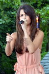 Selena Gomez Live on Good Morning America 02 (cropped) 2