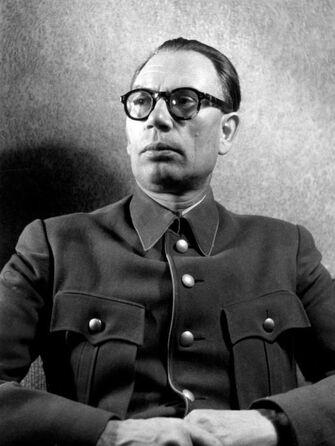 File:Bundesarchiv Bild 146-1984-101-29, Andrej Wlassow.jpg