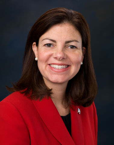 File:Kelly Ayotte, Official Portrait, 112th Congress.jpg
