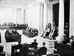 COLLECTIE TROPENMUSEUM Opening van de Volksraad door gouverneur-generaal Van Limburg Stirum op 18 mei 1918 op Java TMnr 10001373