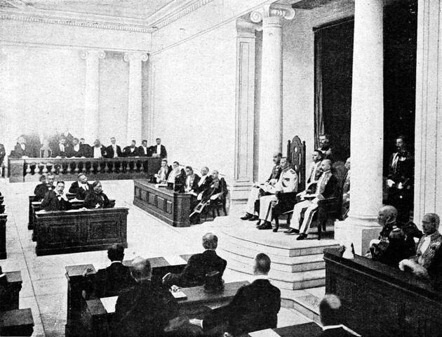 File:COLLECTIE TROPENMUSEUM Opening van de Volksraad door gouverneur-generaal Van Limburg Stirum op 18 mei 1918 op Java TMnr 10001373.jpg