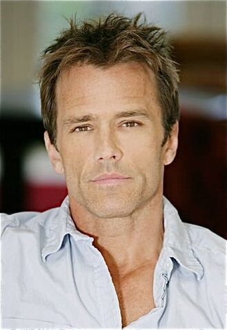File:Scott Reeves.jpg