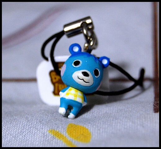 File:Bluebear Key Charm.jpg