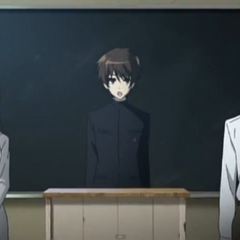 Kouichi, flanked by both home room teachers of class 3-3, introduces himself to his classmates.