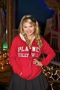 Normal Stefanie Scott-Planet-Hollywood5-3