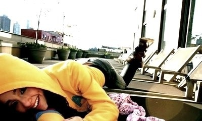File:Ariana lying on the ground.jpg