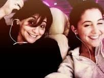 File:Joan and Ariana.jpg