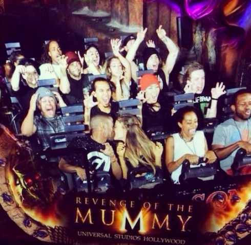 File:Ariana & sean kissing on a halloween ride.png