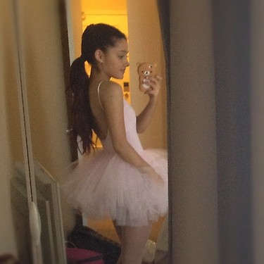 File:Ariana dressed like a ballerina by Frankie and Isaac.jpg