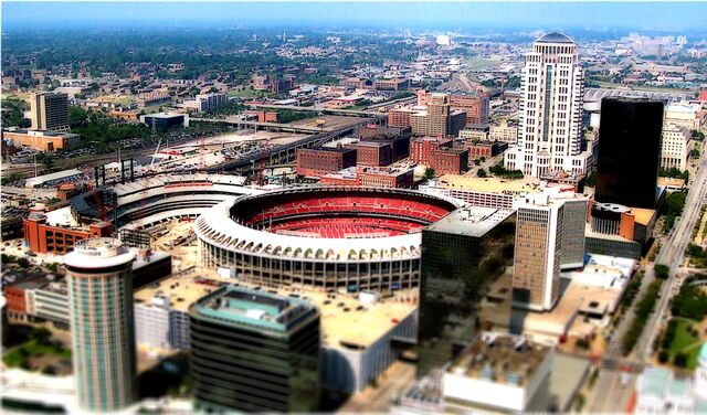 File:Busch Stadium-1195659597-409.jpg