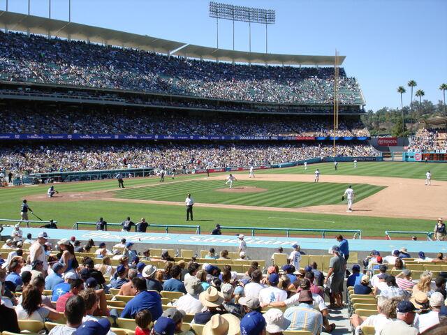 File:Dodger Stadium-1195663736-332.jpg