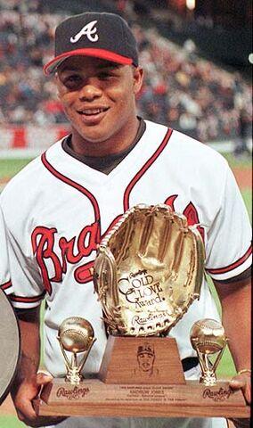 File:Andruw Jones Gold Glove Braves.jpg