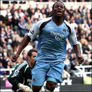 File:Player profile Emile Mpenza.jpg