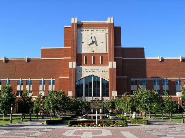 File:Gaylord Family Oklahoma Memorial Stadium.jpg