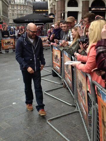 File:London S4 Premiere (05).jpg