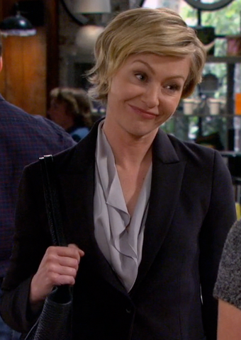 File:Portia de Rossi - Sean Saves the World 1.png