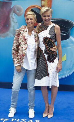 File:2016 Finding Dory UK Premiere - Ellen and Portia DeGeneres 01.jpg
