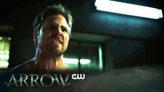 Arrow Inside Arrow Kapiushon The CW
