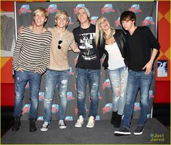 R5 Planet Hollywood & Good Morning America (2)